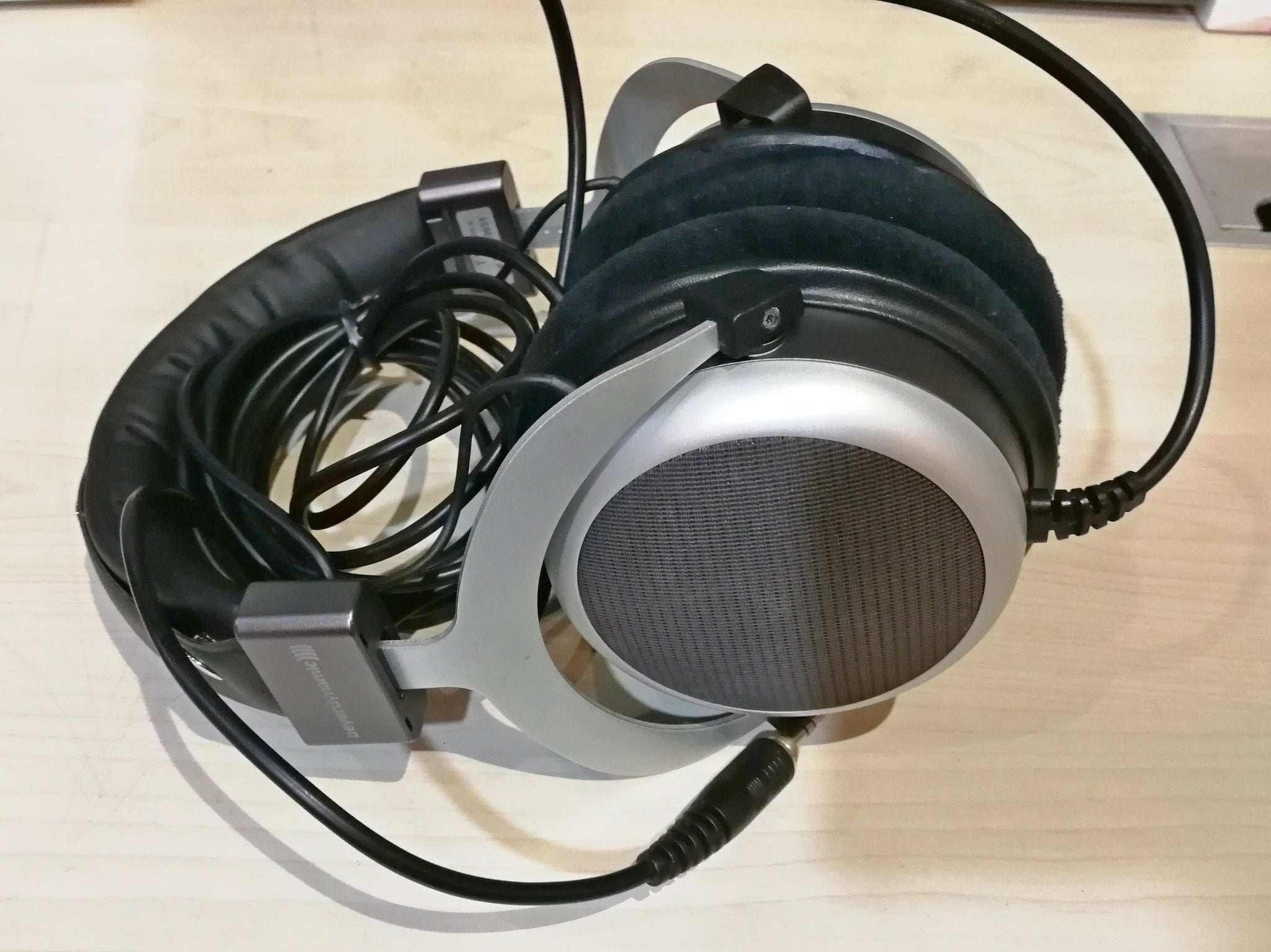 beyerdynamic T90 Demo (SS15) - Jaben - The Little Headphone Store