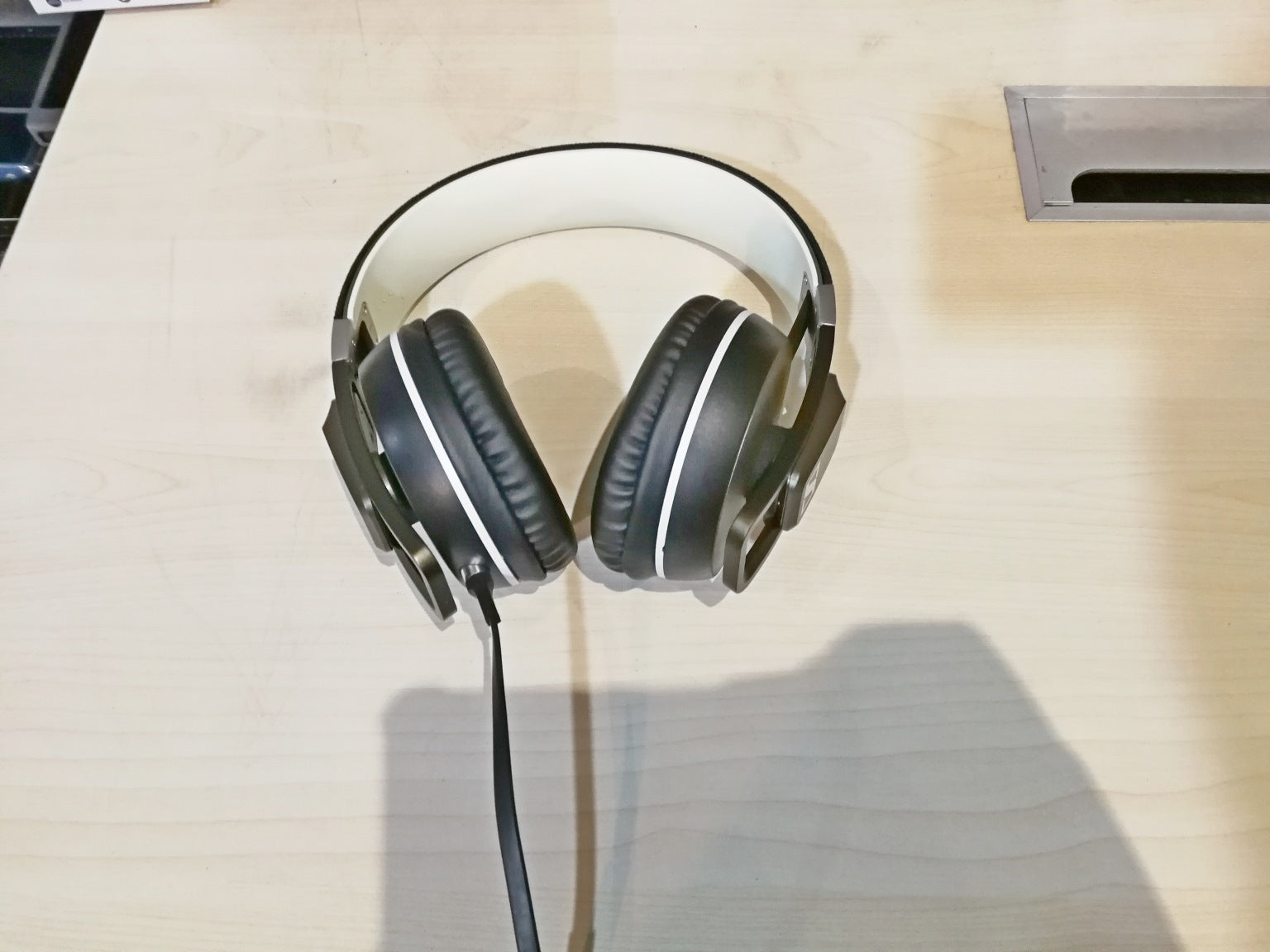 Sennheiser Urbanite XL iOS Demo (SS15) - B - Jaben - The Little Headphone Store