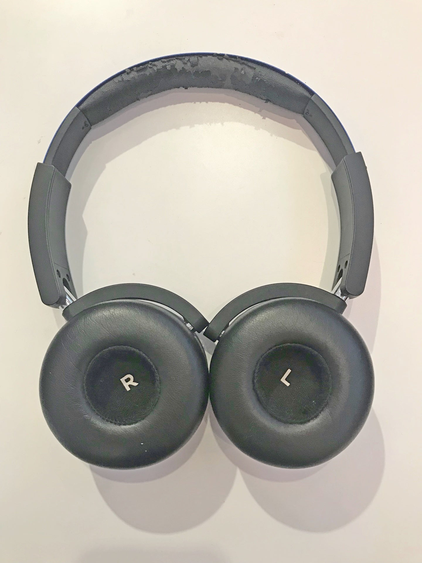 AKG Y50BT Demo (Nu Sentral) - Jaben - The Little Headphone Store