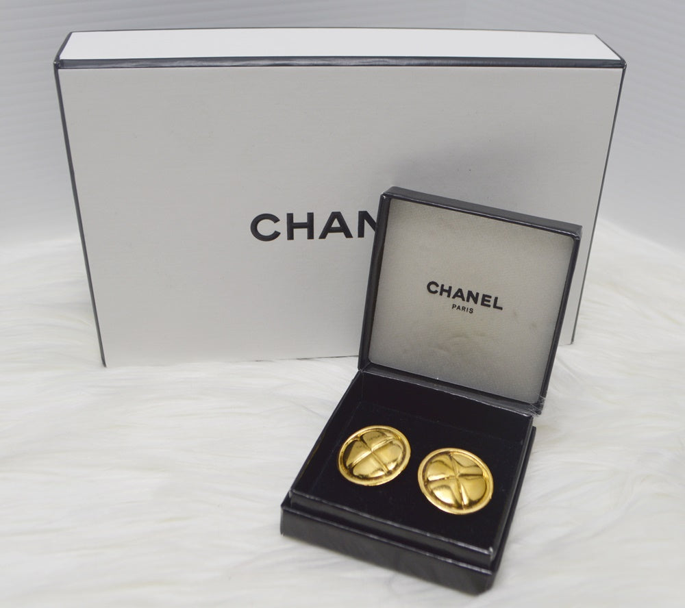Preloved Authentic CHANEL Quilted Clip on Earrings