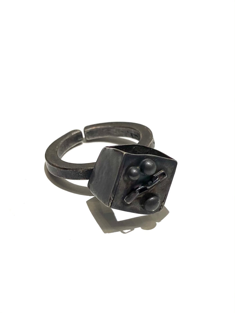 UNEVEN JEWELRY - Irregular Open Cube Ring