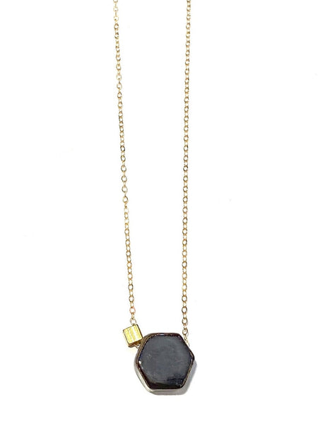 ITSARI- Hex Short Necklace