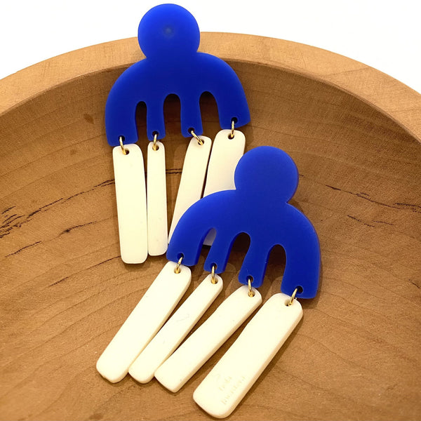 FORASTERA - Peineta Dangle Earrings - Royal Blue / Ivory