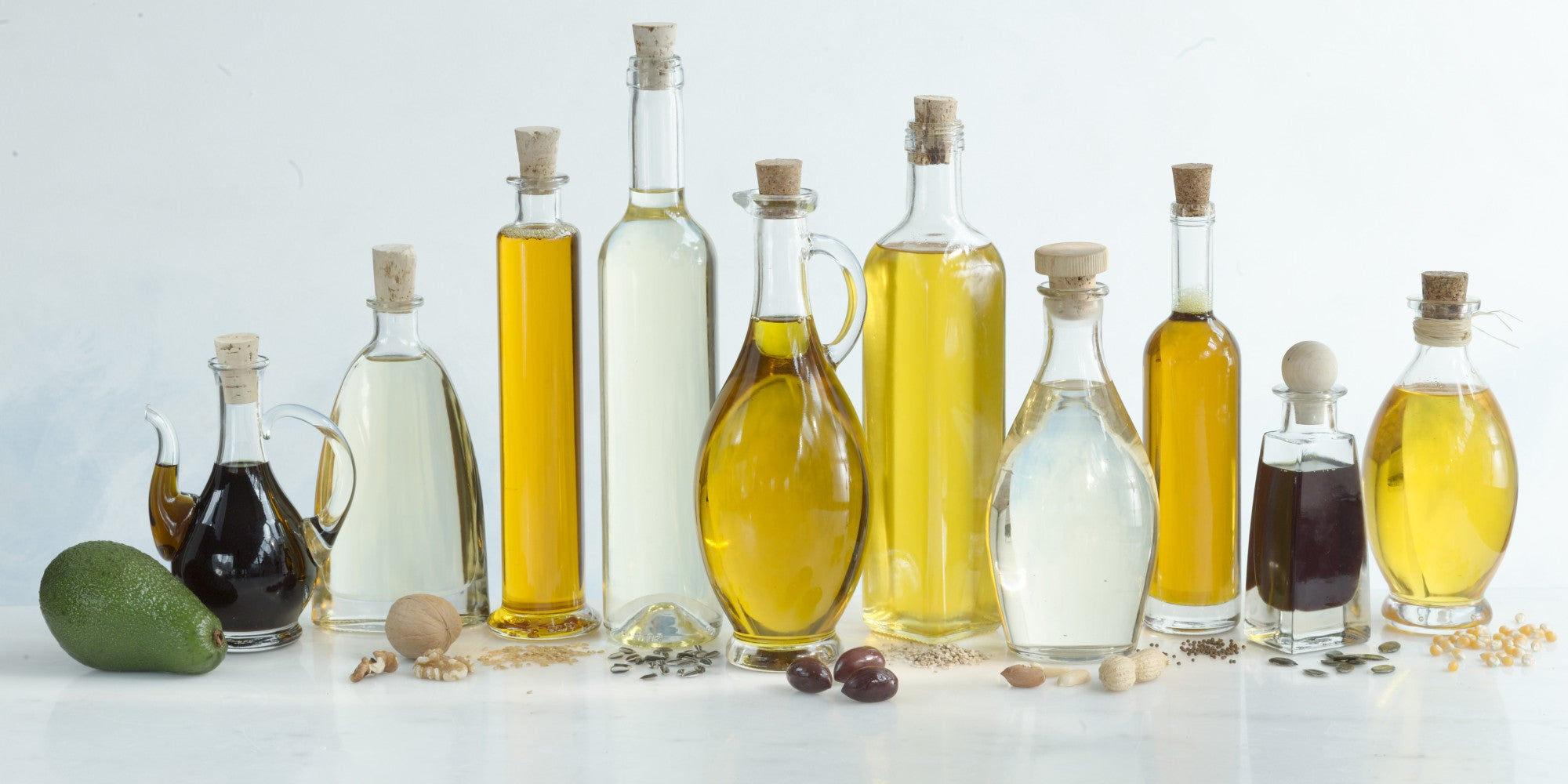 The Benefits and Uses of Oils Guide (including Essential Oils)