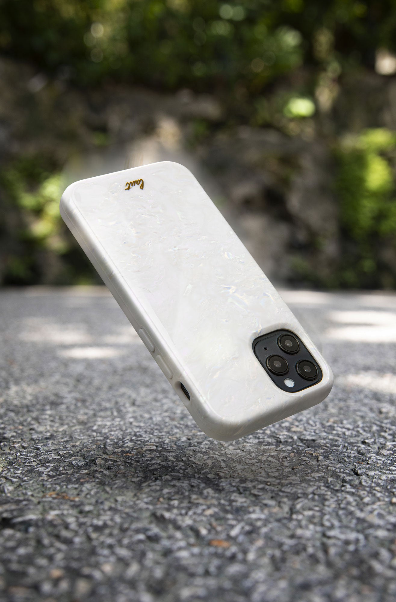 LAUT - PEARL case for iPhone 12 series