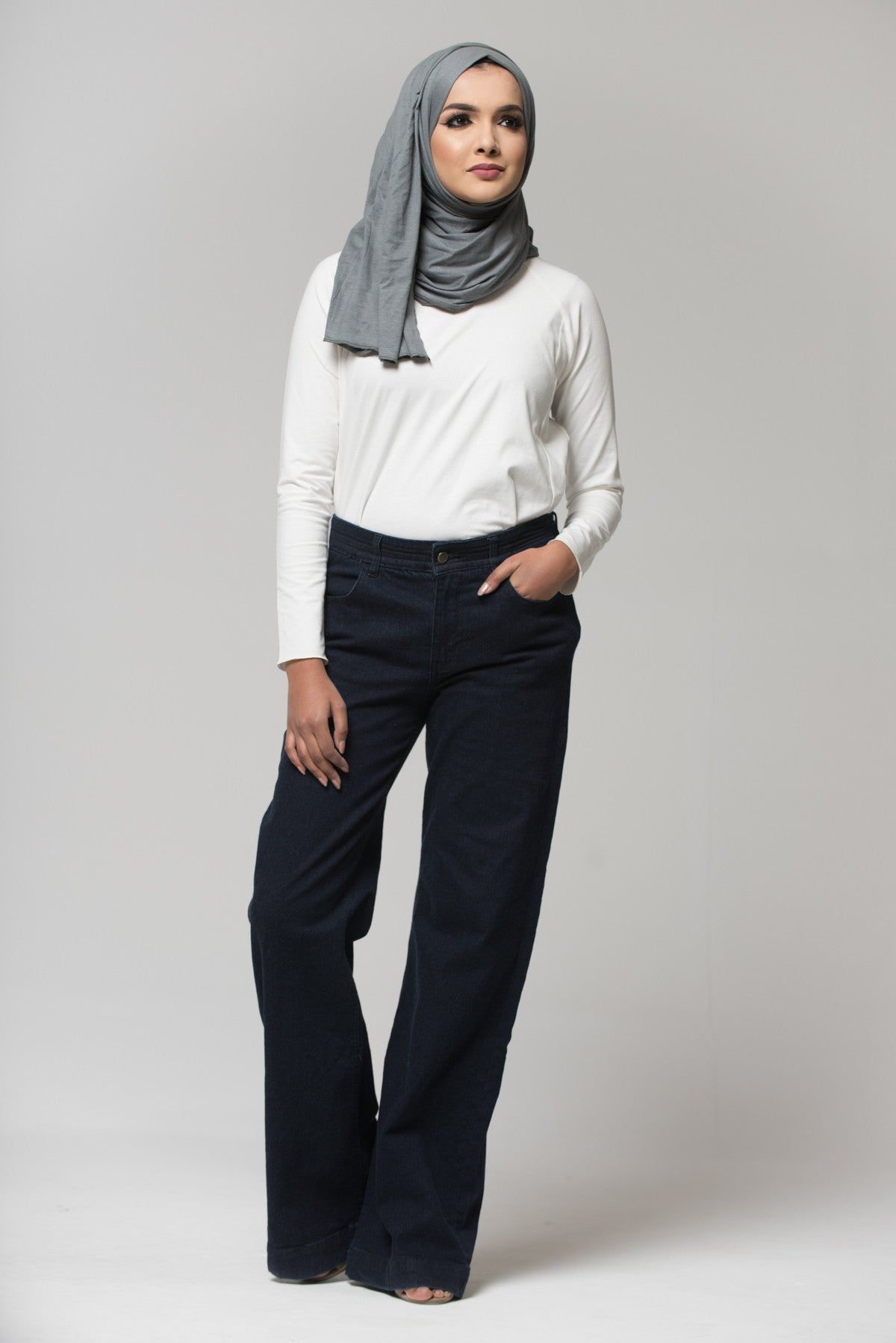 NORA Modest Jeans