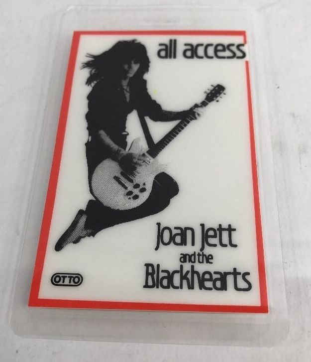 JOAN JETT & THE BLACKHEARTS  LAMINATED BACKSTAGE PASS / ORIGINAL & AUTHENTIC - Odd MoFo