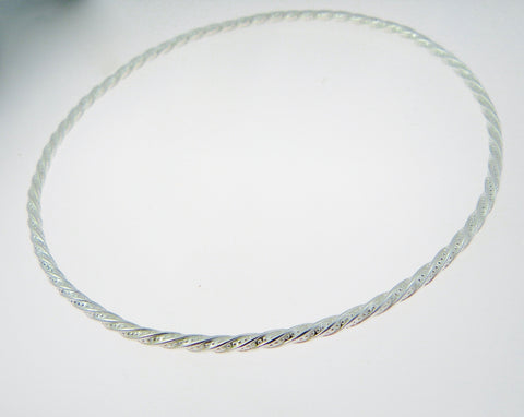 Pattern Twist Bangle