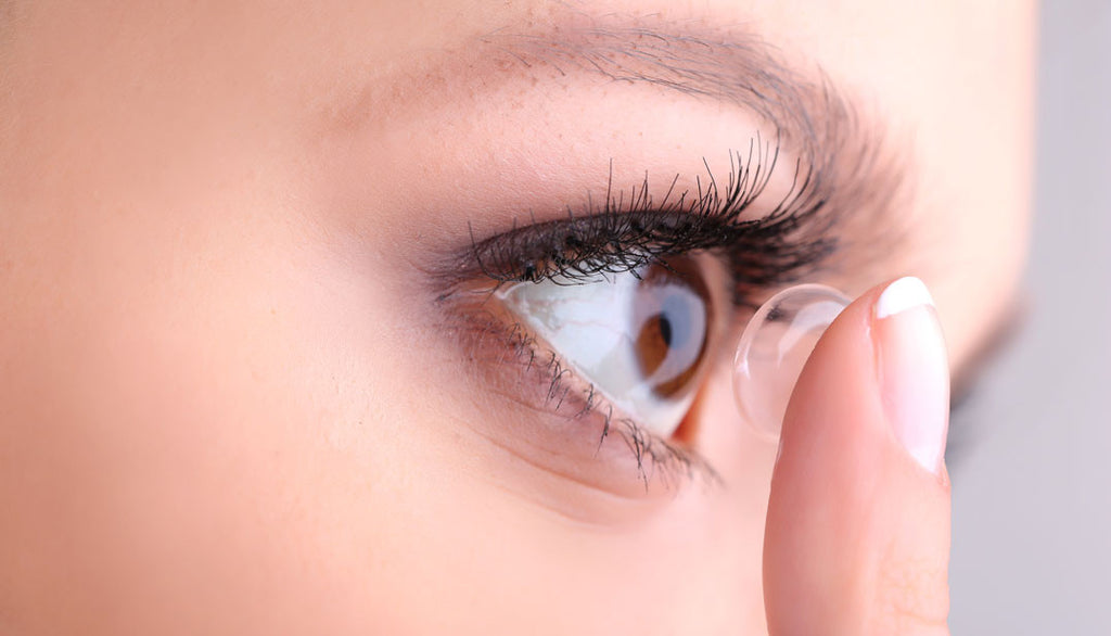 How to wear your contact lenses