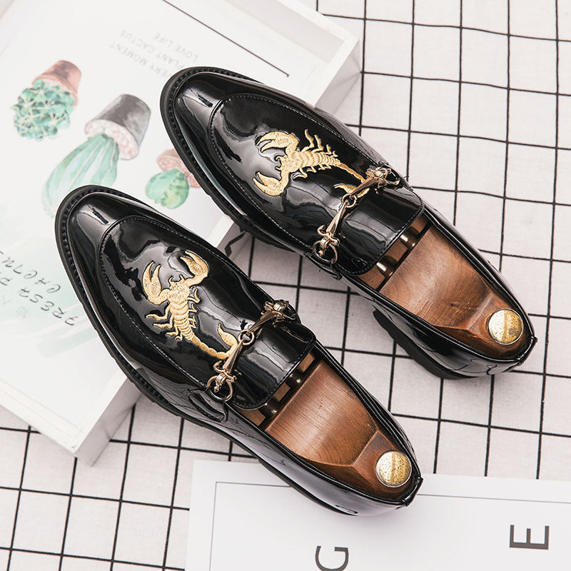 19 fall new tiger and scorpion embroidery single-shoe paint leather hairstylist trend bloke casual leather shoes tide