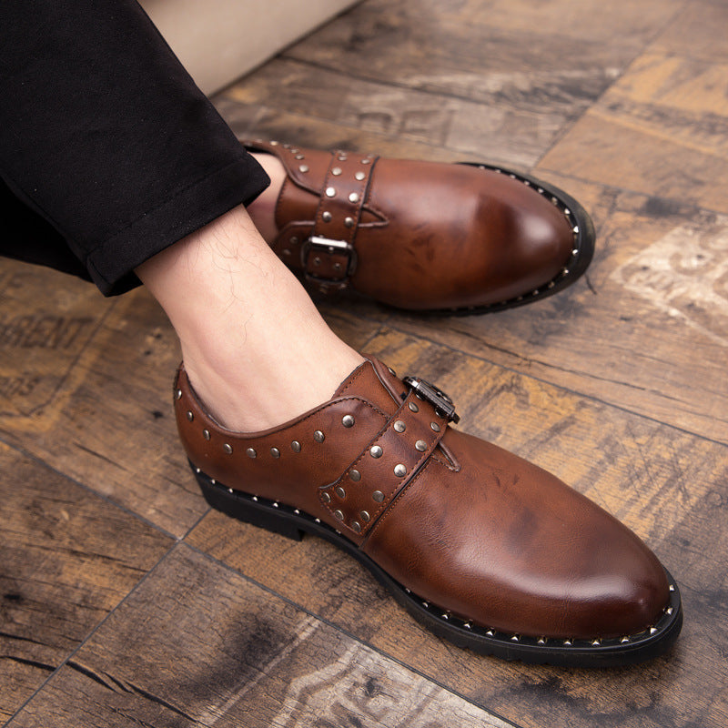 19 autumn trend personalized rivet men's shoes Retro Leather shoes casual hairdresser pointed fashion shoes heighten men's shoes