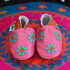 Daisies - Leather Baby Shoes by Hippofeet