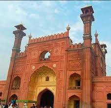 Discover: Old City of Lahore