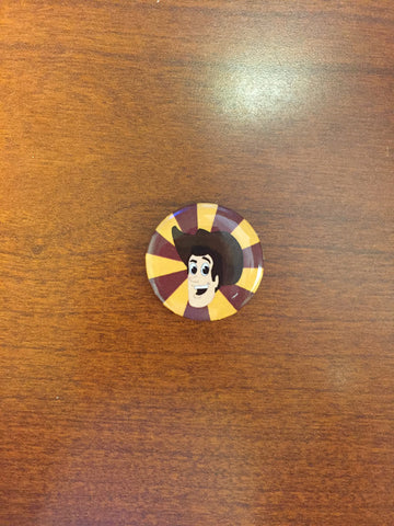 Woody pin-back button