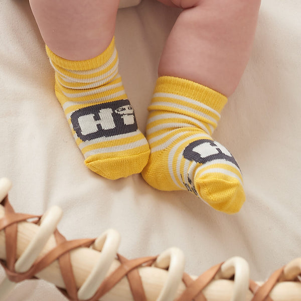 yellow baby socks for easter