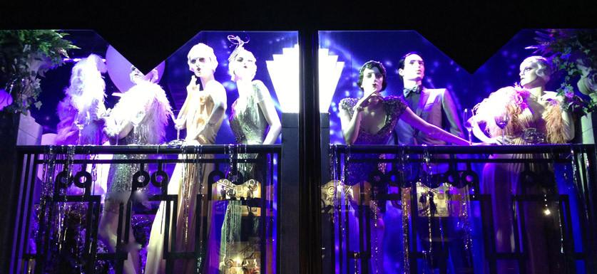 Attracting Customers With Thematic Window Display Designs