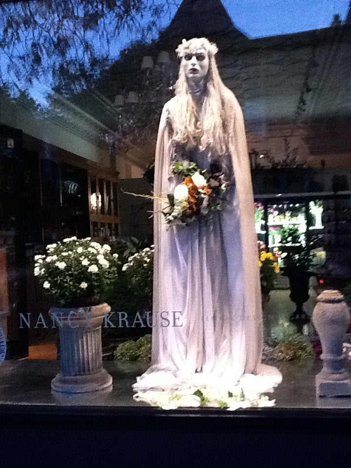 14-bridal-shop-halloween-display-window-design.jpg