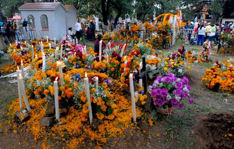 Cultural Fusion Holidays Origins Of The Day Of The Dead Saints