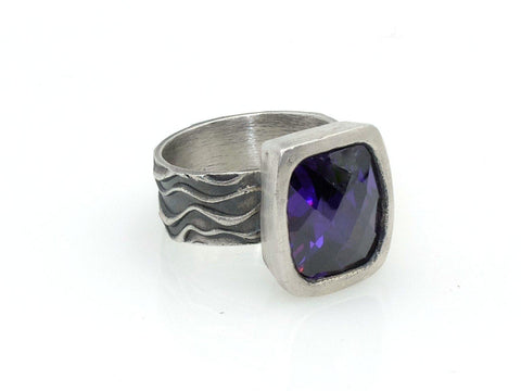 Ring - Amethyst Barrel Ring