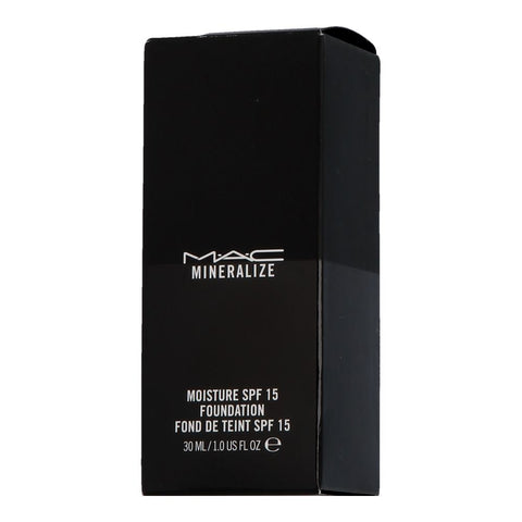 MAC Mineralize Moisture SPF 15 Foundation NC30