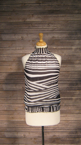 A Byer black & white medium halter