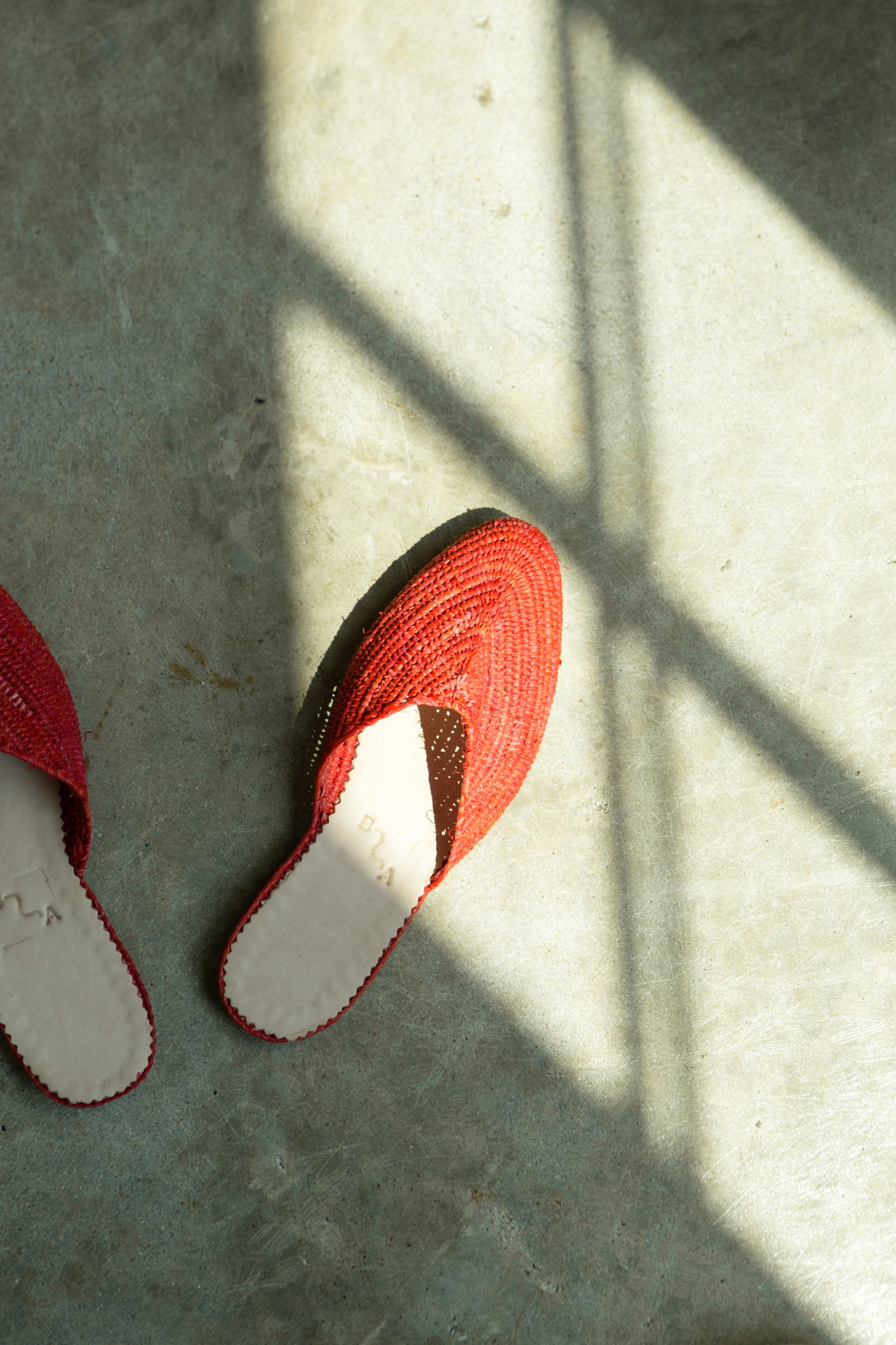 KoKo Raffia Slide—Red