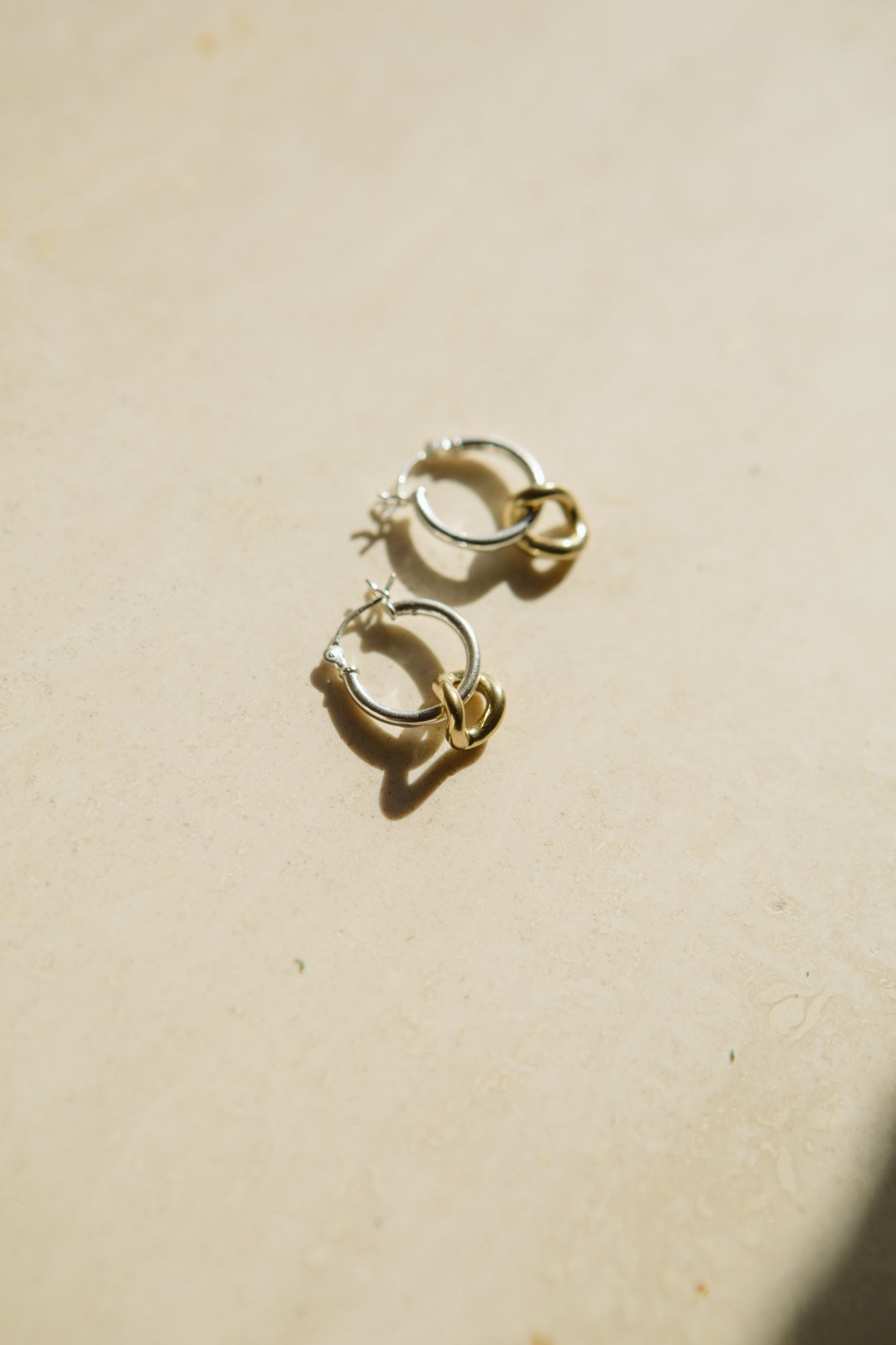 Mini Onda Charm Earrings