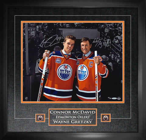 "Oilers Connor McDavid / Wayne Gretzky ""Last Game at Rexall"" Duo Signed 16x20 Photo Framed"