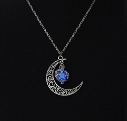2017 Luna Luminescent Glowing Crescent Moon Vintage Necklace - Harry Potter