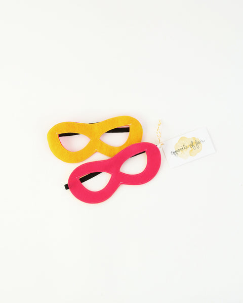 Felt Superhero Reversible Mask in Pink/Yellow