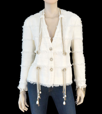 CHANEL 08' Boucle Pearl Chain Jacket, FR 46 / US 12