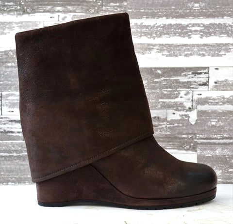 PRADA 39 Brown Leather Fold Over Cuffed Wedge Ankle Boots 9 BRAND NEW