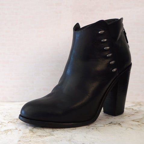 RAG & BONE 39 Ayle Studded Black Leather Ankle Boots Booties 8.5