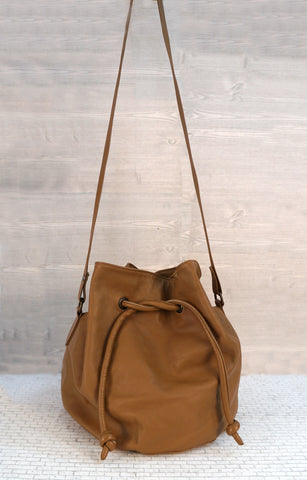 LES PRAIRIES DE PARIS Caramel Brown Bucket Bag Crossbody Shoulder NEW