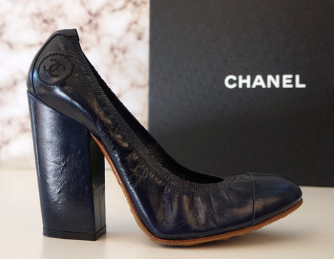 CHANEL 38.5 Navy Blue Leather Stretch Spirit Pumps Block Heels 8