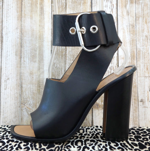 CELINE 38.5 Heels Black Leather Sandals Open Toe 8.5 NEW