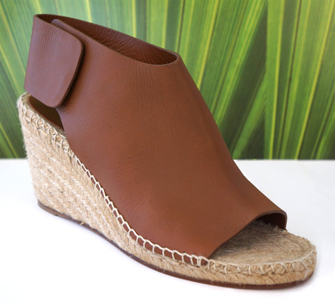 CELINE 39 Camel Brown Leather Wedge Espadrille Sandals 9 BRAND NEW