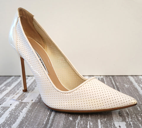 MANOLO BLAHNIK 39.5 BB White Perforated Patent Leather Pumps Heels 9