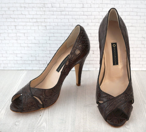 BOCCACCINI 37.5 Brown Crocodile Peep Pumps Heels 7 NEW