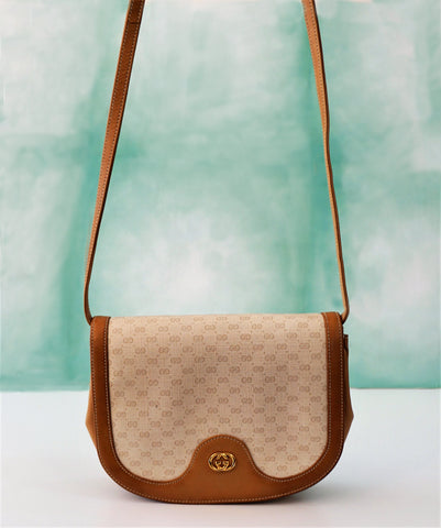 GUCCI Authentic Vintage GG Logo Canvas Leather Shoulder Crossbody Flap Bag