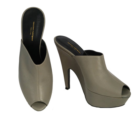 NARCISO RODRIGUEZ 39 Military Gray Leather Platform Heel Leather Mules 8.5 BRAND