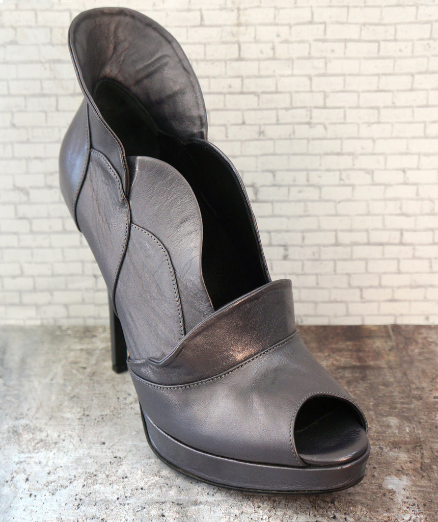 JEROME C. ROUSSEAU 39 Antinea Pewter Gray Leather Stiletto Heel Bootie 8.5