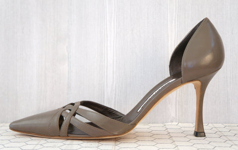 MANOLO BLAHNIK 39.5 Taupe Leather Cut Out Heels Pumps 9