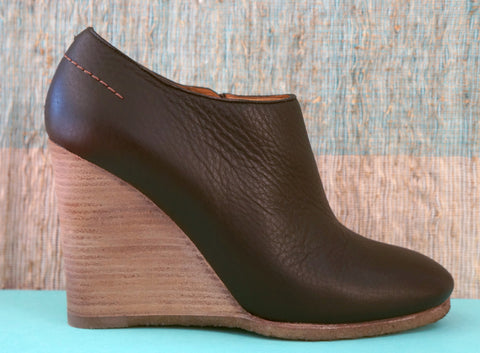 CHLOE Leather Wood Wedge Ankle Booties 37.5/7