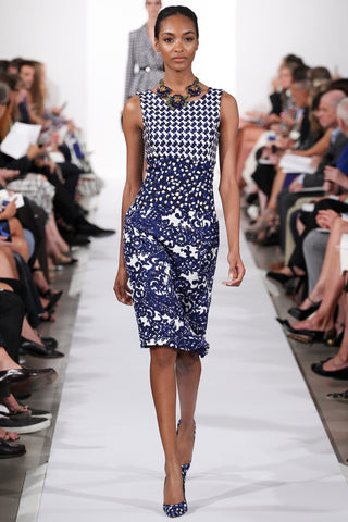 OSCAR DE LA RENTA 2014 Sleeveless Blue and White Mixed Print Dress 8