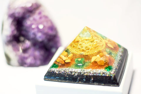 Emerald and Yellow Jasper Sacred Geometry Orgonite Pyramid - With Seed of Life Charm