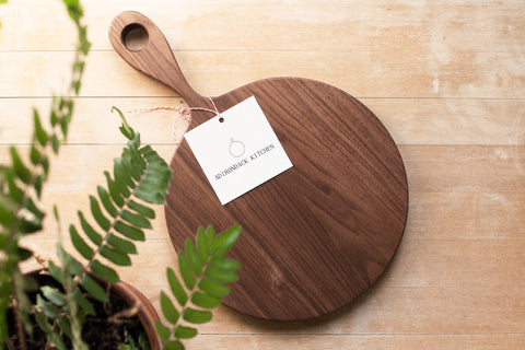 Wagner Round Wood Serving/Cutting Board with Long Handle