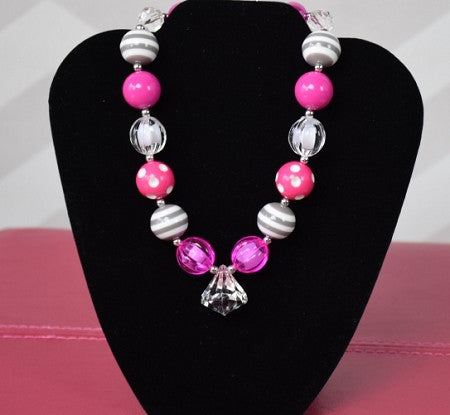 Gray and Hot Pink Chunky Necklace - Gabskia