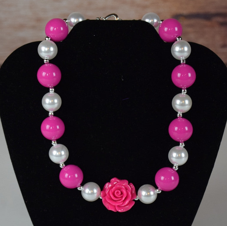 Pearls and Rose Chunky Necklace (More Colors)