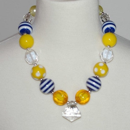Nautical Yellow Chunky Necklace w/Diamond Shape Pendant - Gabskia